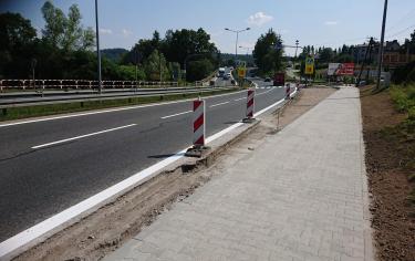 Budowa prawoskrętu i chodnika wzdłuż DK 7